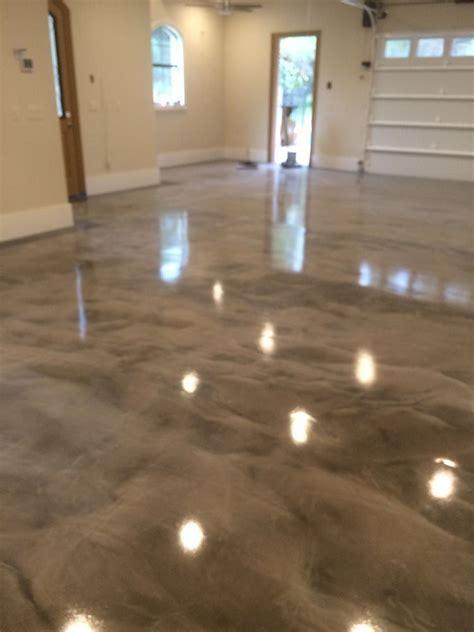 gray white epoxy metallic floor   Ideas For My Home