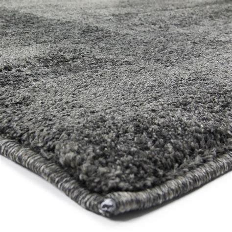 tapis poil gris pas cher tapis moderne tapis contemporain pas cher monbeautapis