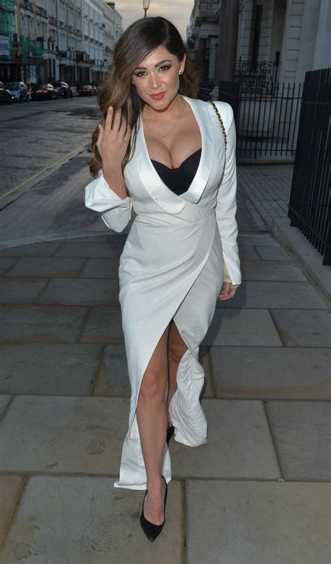 Casey Batchelor Cleavage 30 Photos Thefappening
