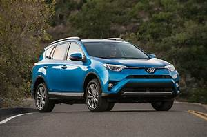 Toyota Rav4 Hybrid : 2017 toyota rav4 reviews and rating motor trend ~ Medecine-chirurgie-esthetiques.com Avis de Voitures