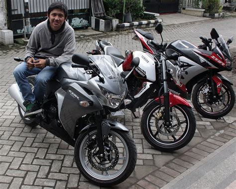 Foto Motor Beat Fariasi Warna by Gambar Foto Cutting Sticker Cbr 250 Oto Trendz