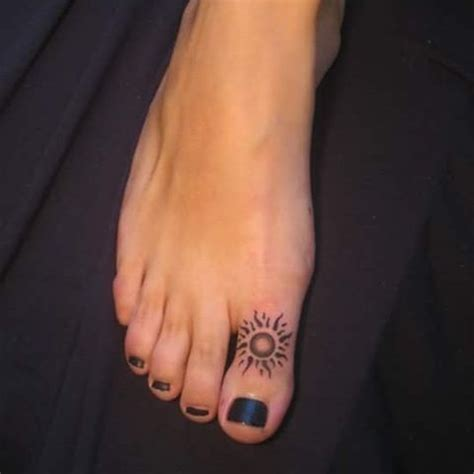 toe tattoos ideas  pinterest henna finger