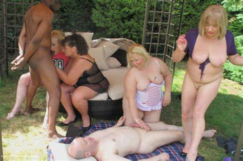 Mansion Backyard Banged And Licking Private