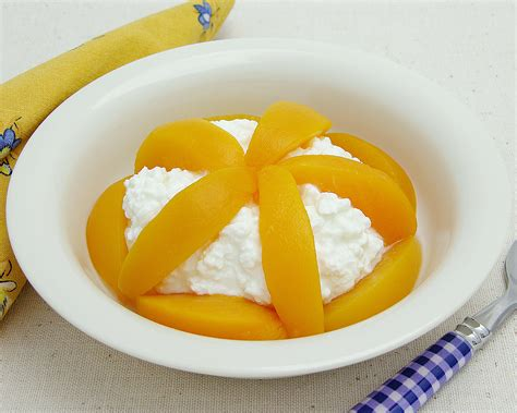 cottage cheese and fruit cottage cheese with