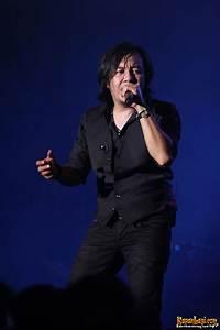 Ari Lasso 'diganggu' di konser 'Sparkling Night'