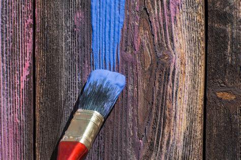 peinture pour bois sans poncer types de peinture ooreka