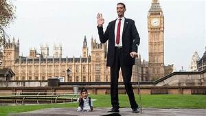 Meet The World`s Tallest Man Living Who Made it in The ...