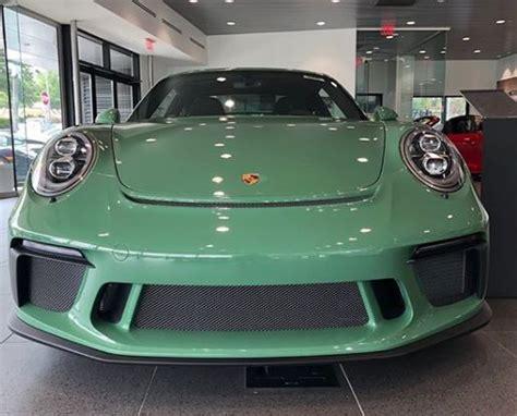 Auratium Green 2018 Porsche 911 Gt3 Has The Understated