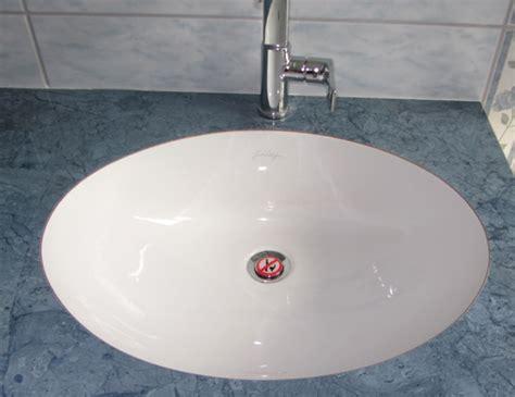bouchon de lavabo quot interdit d uriner quot design le dindon
