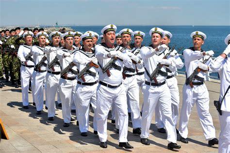Salarii Decente, Pensii Militare