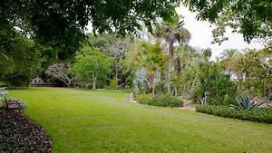 Marie selby botanical gardens in sarasota florida expedia for Selby botanical gardens