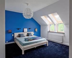 schlafzimmer in blau gestalten roomidocom With balkon teppich mit coole tapeten für jugendzimmer