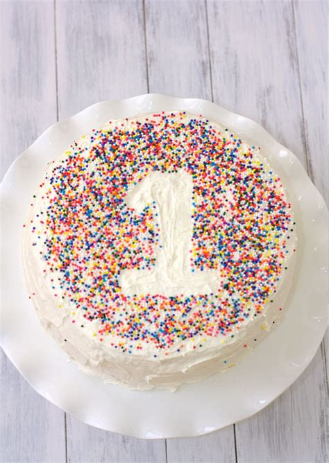 Simple Birthday Cake Decorating Ideas by 17 Best Ideas About 1 Birthday Cakes On Pinterest Baby