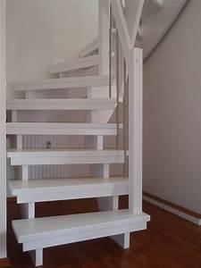 Offene Holztreppe Renovieren : wei e offene treppe treppe ~ Fotosdekora.club Haus und Dekorationen