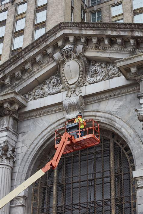 ford kicks  renovation  detroits  year