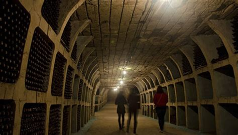 reasons  visit moldova wine country