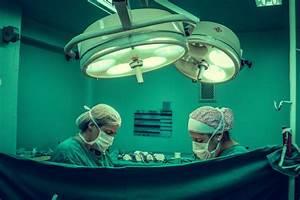Orthopedic Surgeons Vs  Neurosurgeons