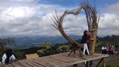 sukageuri view surga wisatawan kuningan  swa foto