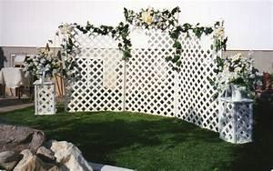 Five ways to enhance outdoor wedding decor for Decorating a trellis for a wedding
