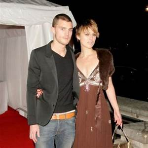 KEIRA KNIGHTLEY JAMIE DORNAN - See PHOTOS of the iconic ...
