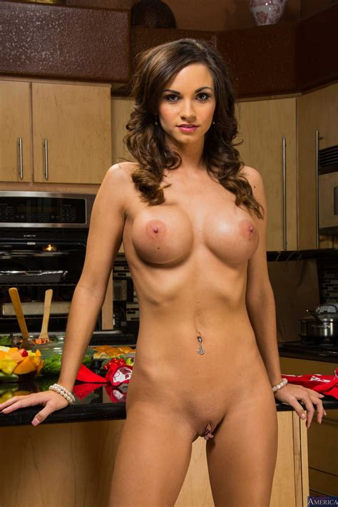 Ashley Sinclair stripping and showing off her hot body in the kitchen - My Pornstar Book