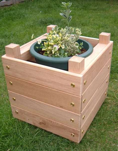 how to make planters how to make a simple chunky wooden planter make diy