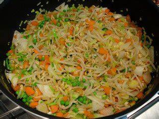 cuisiner pousse de soja cuisine facile com poulet un peu chinois