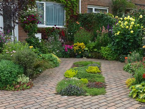 pictures of small front gardens front garden design