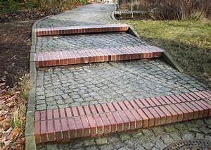 Treppe Mit Podest Berechnen : treppenabsatz bauen und berechnen stufenwege mit podest ~ Lizthompson.info Haus und Dekorationen