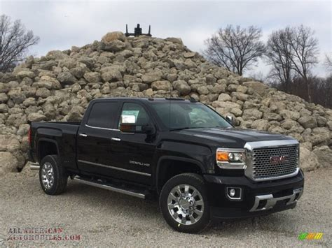 2015 GMC Sierra 2500HD Denali Crew Cab 4x4 in Onyx Black