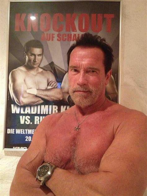 aos 66 anos arnold schwarzenegger publica foto sem camiseta e exibe corpo malhado quem quem