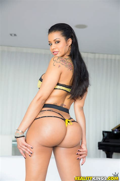 Exotic Mary A 8th Street Latinas Porn Movie