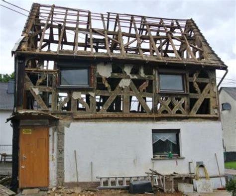 scheune umbauen genehmigung wohnhaus umbauen zur doppelgarage m fachwerk quot tiefer quot setzen fachwerk doppelgarage umbauen