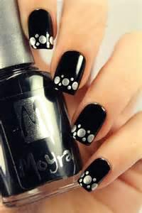 Grey nail arts