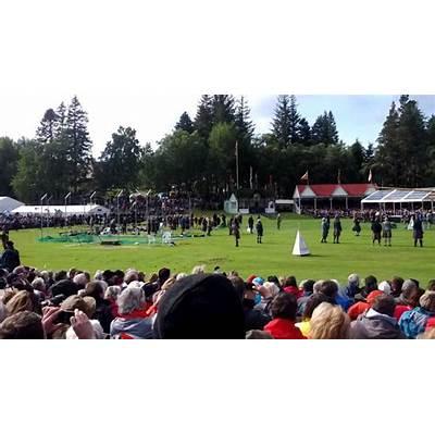 Braemar Gathering Sep 5 2015 - Lonach Highlanders march