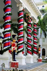 Columns, In, Christmas, Wrap, By, Linda, Phelps