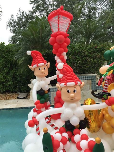 santas helpers balloon decorations balloon twisting