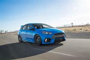 Ford Focus Rs 2018 : 2018 ford focus rs vs st carstuneup carstuneup ~ Melissatoandfro.com Idées de Décoration
