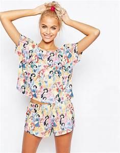 Pyjama Party Outfit : asos asos disney princesses short and tee pajama set at asos ~ Eleganceandgraceweddings.com Haus und Dekorationen