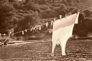 Teindre Un Vetement Taché De Javel : comment enlever une tache d 39 eau de javel sur un v tement trucs et astuces contre les taches ~ Dode.kayakingforconservation.com Idées de Décoration