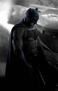 Ben Affleck's Batman Costume: Fan Reactions & Internet Memes