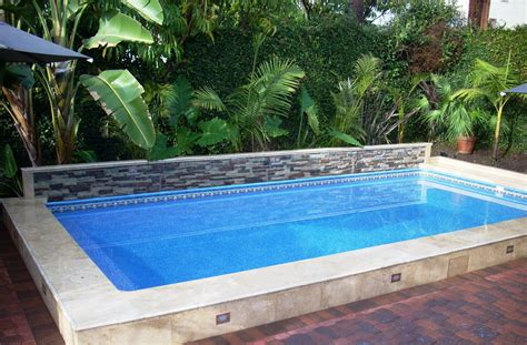 Make Your House More Entertaining With House Pool Ideas