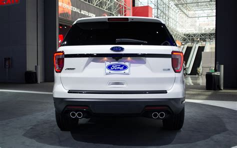 comparison ford explorer platinum   infiniti