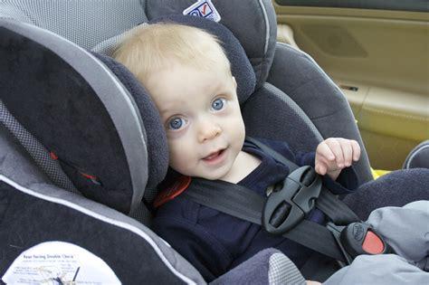 siege auto bebe qui se tourne bien choisir siège auto dans ma tribu