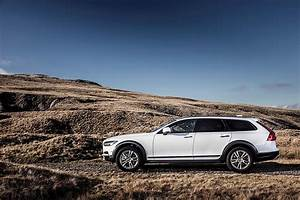 Volvo V90 Cross Country : volvo v90 cross country specs photos 2016 2017 2018 autoevolution ~ Medecine-chirurgie-esthetiques.com Avis de Voitures