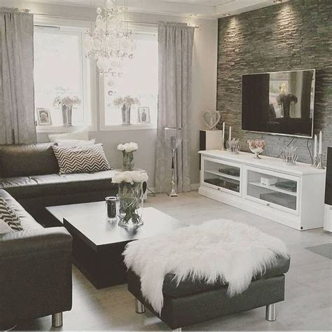 living room decor inspiration home decor inspiration sur instagram black and white always a classic thank you for the tag