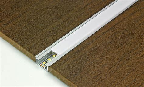 LED Lichtleisten   Badbeleuchtung   selbst.de