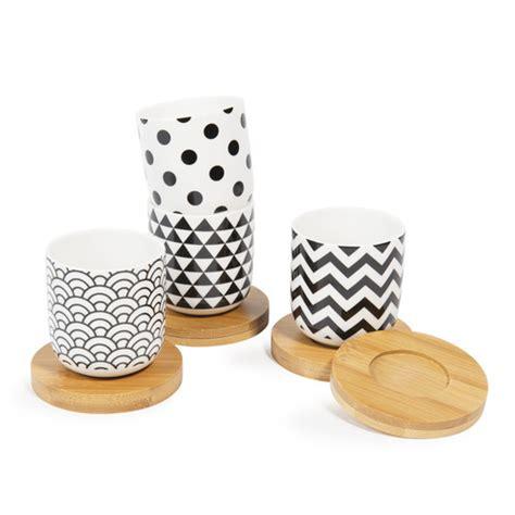 coffret  tasses en porcelaine avec soucoupes black white maisons du monde