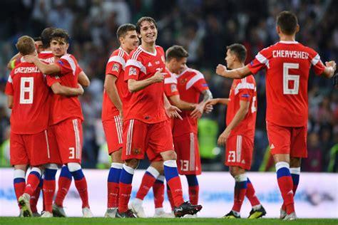 Чемпионат европы максимально распределен по континенту — план уникальный, следующие большие футбольные ивенты организуют по традиции: Чемпионат Европы 2020 года по футболу отменен из-за ...