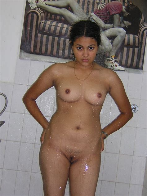 SEXY SOUTH INDIAN ACTRESS,AUNTIES HOT IMAGES: Sexy Cute College Girl
